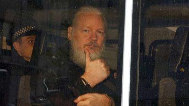 صورة القضاء البريطاني يرفض طلب السلطات الأميركية تسليم جوليان أسانج