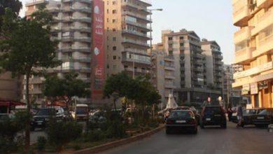صورة في طرابلس…شخصان مجهولان يسرقان سيارة بهذه الطريقة!