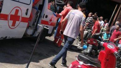 صورة في طرابلس.. أطلقوا عليه النار وأصابوه بقدمَيْه