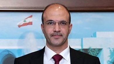 """صورة وزير الصحة: """"نحن حدكم"""""""