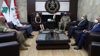 صورة قائد الجيش عرض للتطورات مع سفيري مصر وسويسرا