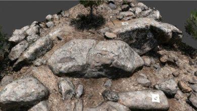 صورة اكتشاف استثنائي.. نقوش صخرية في بلدة عكارية!
