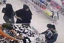 صورة بالفيديو: سرقة اكثر من 4000 دولار من حقيبة مواطنة في سوق صيدا التجاري