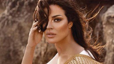 """صورة نادين نسيب نجيم تشوق جمهورها بصورتين: """"الليلة يا ويلي شو بده يصير"""""""